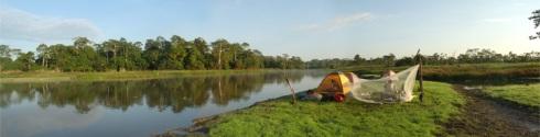 campamento en el lago CUSHURAL